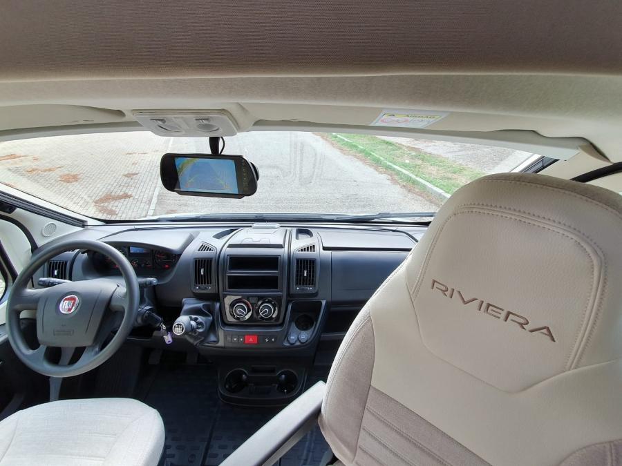 Riviera 67 XT